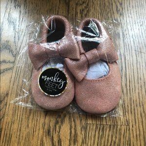 Monkey Feet Mocs/6-12 months